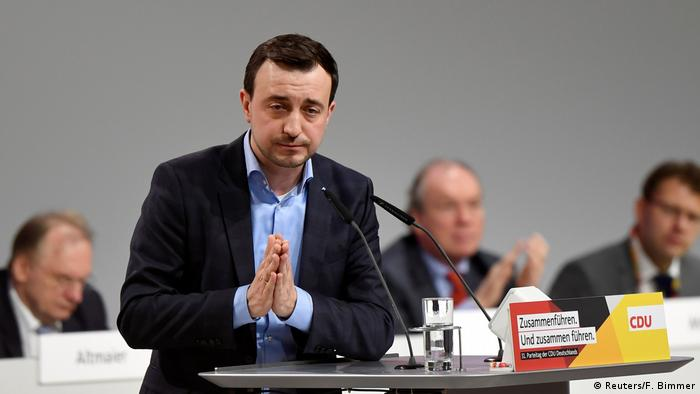 Paul Ziemiak gestures after speaking during the Christian Democratic Union (CDU) party congress(Reuters/F. Bimmer)