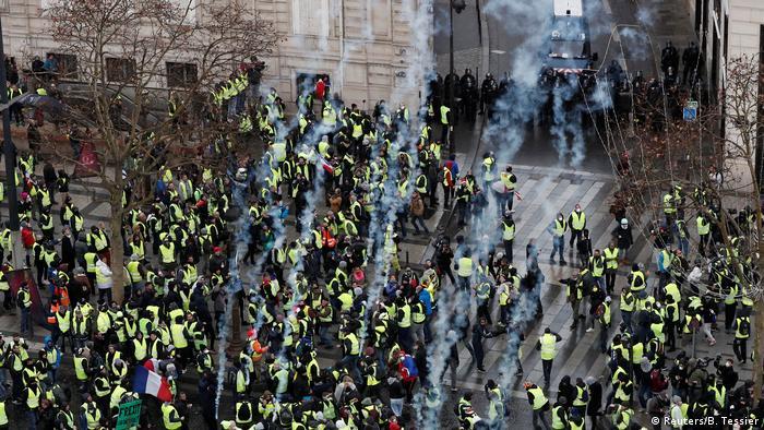 Frankreich Protest der Gelbwesten in Paris (Reuters/B. Tessier)