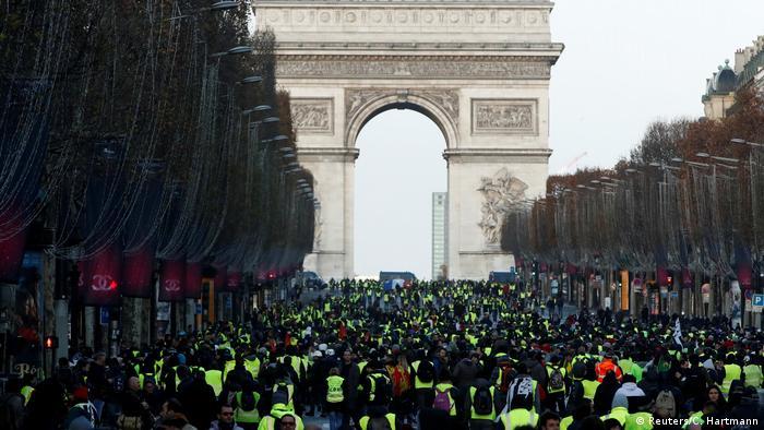 Frankreich Protest der Gelbwesten in Paris (Reuters/C. Hartmann)