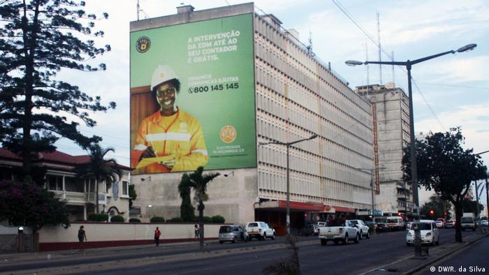 Edifício que alberga a sede da EDM em Maputo, Moçambique