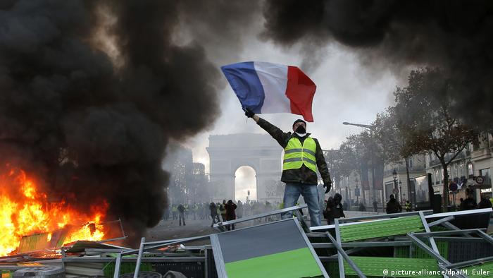 Frankreich Gelbwestenprotest in Paris (picture-alliance/dpa/M. Euler)