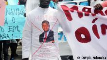08.12.2018, Luanda+++Junge Arbeitslose protestieren in Angola (c) DW/Borralho Ndomba