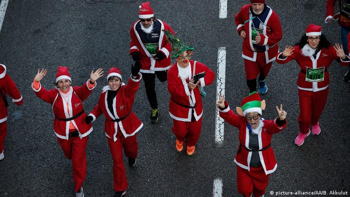 The winners of the Santa Race this year recieved a one-year subscription to spanish magazine Hola
