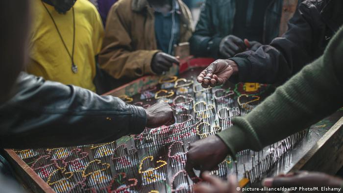 Marokko Casablanca - Migranten (picture-alliance/dpa/AP Photo/M. Elshamy)