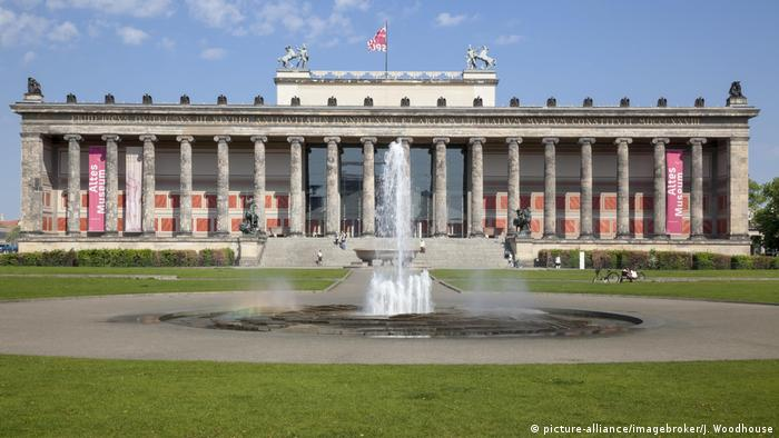 Berlin's Altes Museum (Old Museum) (picture-alliance/imagebroker/J. Woodhouse)