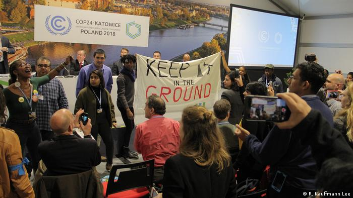 f99f7c8e518144 For the second year in a row, the United States's official event at the UN  climate conference focused on promoting fossil fuels. And just like last  year, ...