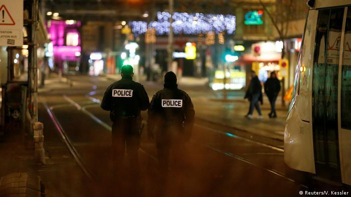 Полицейские патрулируют улицы Страсбурга