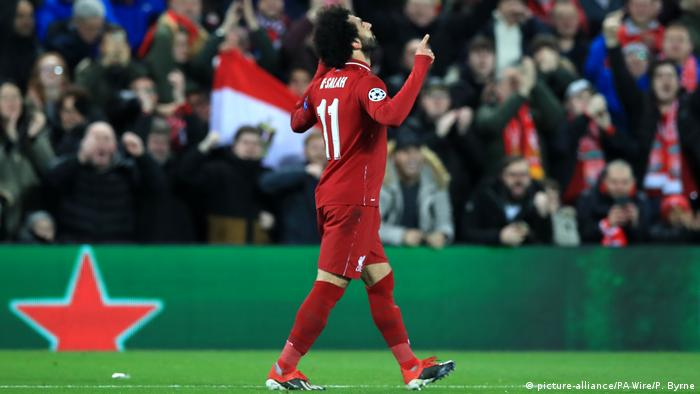 Fußball Champions League - Liverpool vs Neapel | Jubel Mohamed Salah (picture-alliance/PA Wire/P. Byrne)