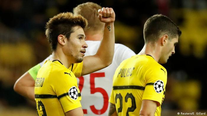 Champions League: Borussia Dortmund take top spot, Schalke leave it late