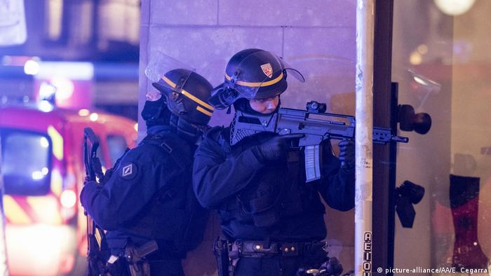 Schießerei Straßburger Weihnachtsmarkt Polizei (picture-alliance/AA/E. Cegarra)