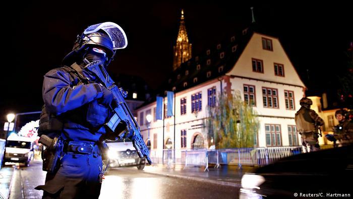Frankreich Schießerei auf dem Weihnachtsmarkt in Straßburg
