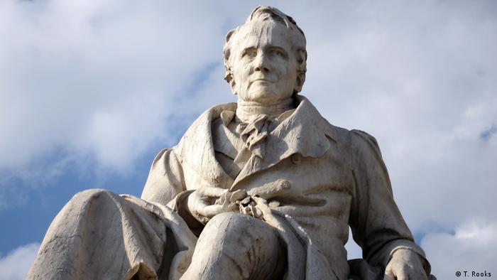 Statue von Alexander von Humboldt von Reinhold Begas