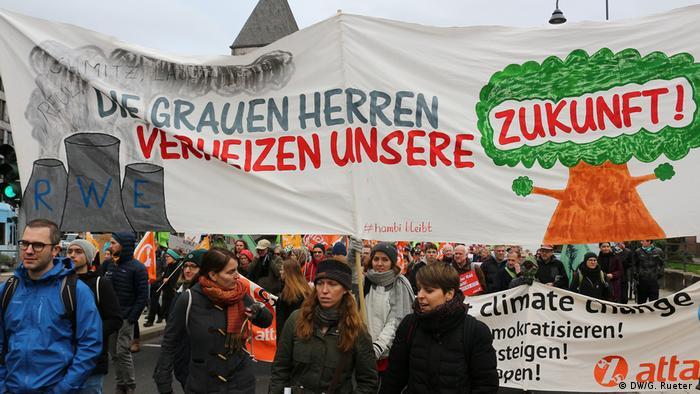 Protesto por maior proteção climática em Colônia, na Alemanha