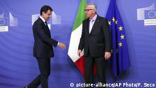 Italian Prime Minister Giuseppe Conte meets EU Commission head Jean-Claude Juncker (picture-alliance/AP Photo/F. Seco)