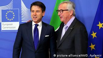 Премьер-министр Италии Джузеппе Конте и глава Еврокомиссии Жан-Клод Юнкер