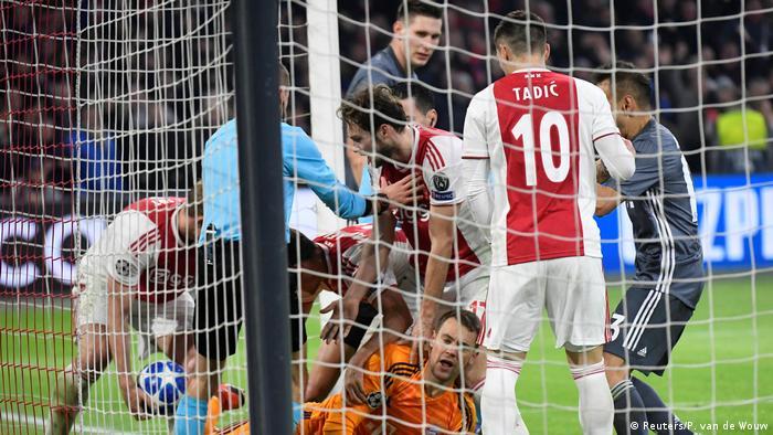 UEFA Champions League - Ajax Amsterdam v Bayern München (Reuters/P. van de Wouw)