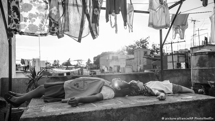 درام مکزیکی روما ساخته آلفونسو کوارون در میان دیگر رشتهها برای سه رشته بهترین فیلم، بهترین فیلمنامه و بهترین کارگردانی بخت بردن جوایز بفتا را دارد. این فیلم داستان زندگی متلاطم یک خدمتکار زن در بحبوحه ناآرامیهای سیاسی دهه ۱۹۷۰ در مکزیک را روایت میکند.