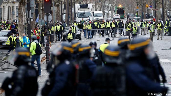 Frankreich Polizei und Gelbwesten (Reuters/S. Mahe)
