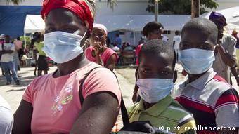 Después del terremoto en 2010 en Haití, médicos cubanos atendieron allí a los enfermos de cólera. (Foto de archivo).