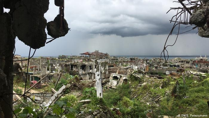 Decrepit buildings in Marawi (DW/S. Petersmann)