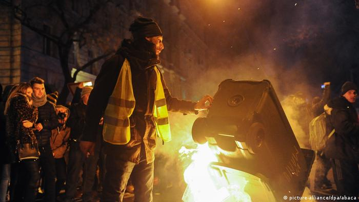 Protests have continued in Budapest, as opponents of Prime Minister Viktor Orban's government criticised legislation which loosens the labour code and raises the maximum annual overtime hours from 250 to 400 hours.
