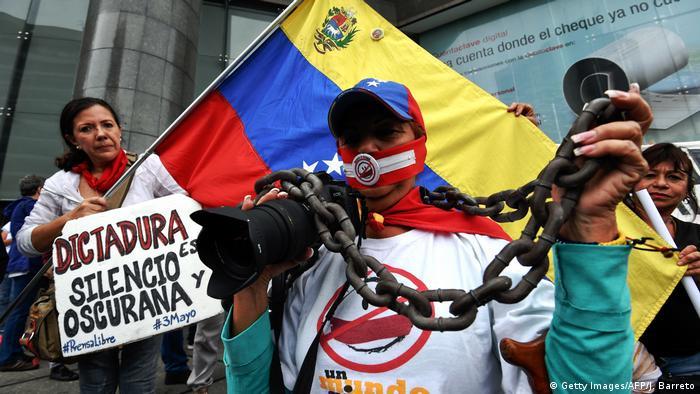 Venezuela Symbolbild Pressefreiheit (Getty Images/AFP/J. Barreto)