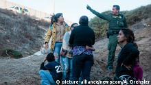 Kalifornien San Ysidro US-Grenzschutzbeamter und illegale Migranten
