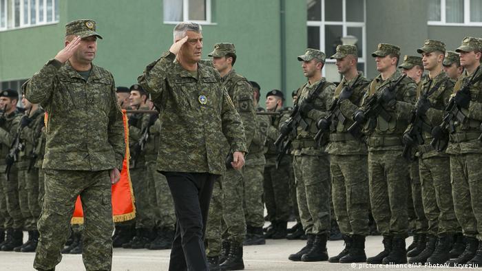 Kosovo Sicherheitstruppe (picture-alliance/AP Photo/V. Kryeziu)