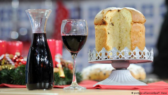 ItalienischesWeihnachtsgebäck - Panettone (picture-alliance/dpa/T. Hase)