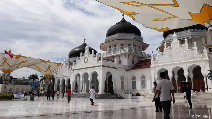 Ramadan gatherings raise coronavirus infection fears in Indonesia's Aceh province