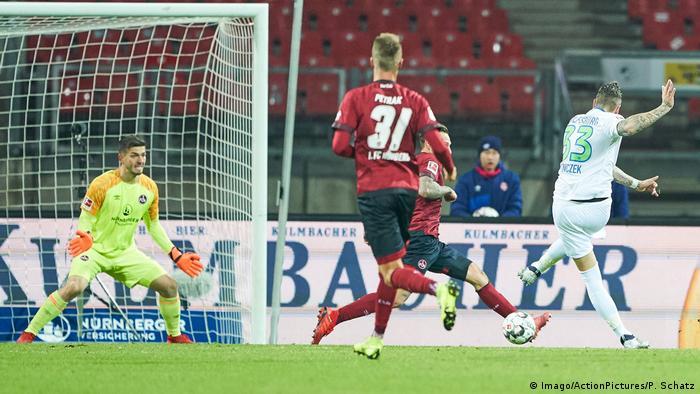 Fußball Bundesliga - 1.FC Nürnberg vs VfL Wolfsburg | Tor (0:1) (Imago/ActionPictures/P. Schatz)