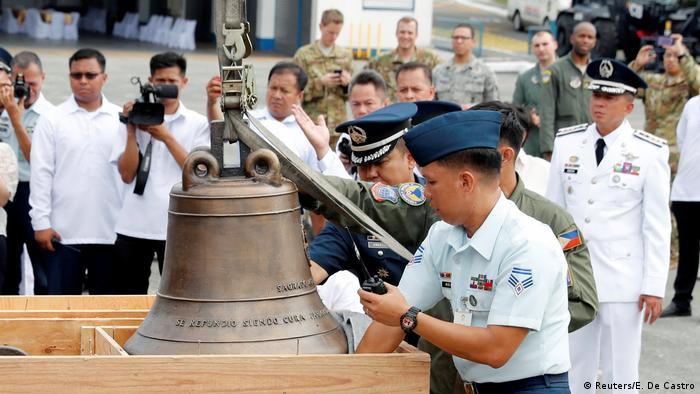 The bronze church bells are revered in the Philippines as a symbol of resistance to US colonization and the struggle for independence (Reuters/E. De Castro)