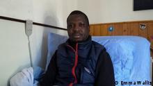 Keita spielte Fußball in Mali und Libyen in den ersten beiden Ligen. Die Umstände des Krieges veränderten jedoch seine Fähigkeit und zwangen ihn 2012, auf dem Seeweg von Libyen zur Insel Lampedusa und von dort ins Zentrum der Einwanderer auf Sizilien zu reisen. Quelle: https://tinyurl.com/y9ggqrbo Arabische Redaktion: Wir dürfen dieses Bild verwenden und wir haben die Erlaubnis dazu