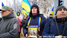 Kiew Gläubige Ukrainer demonstrieren auf dem Sofijskaja-Platz