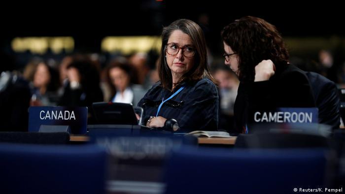Die Gesichter vieler Delegierter sprechen Bände: Die Schlussphase der Konferenz in Kattowitz zerrt an den Nerven (Foto: Reuters/K. Pempel)