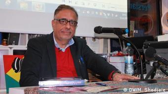 جمشید فاروقی، نویسنده و روزنامهنگار