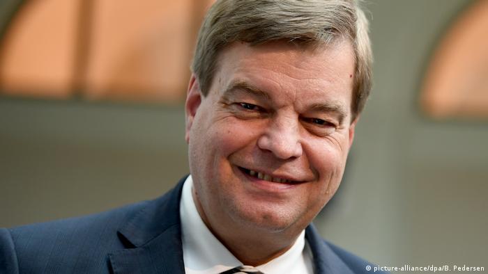 Enak Ferlemann CDU Parlamentarischer Staatssekretär (picture-alliance/dpa/B. Pedersen)