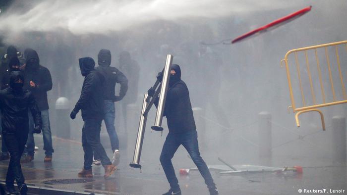 Teargas, dozens of arrests at Brussels anti-migration demo