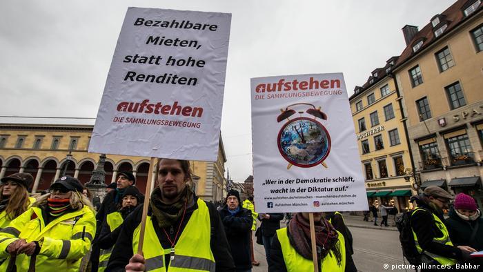 Deutschland, München: Aus Solidarität mit den Gelbwesten
