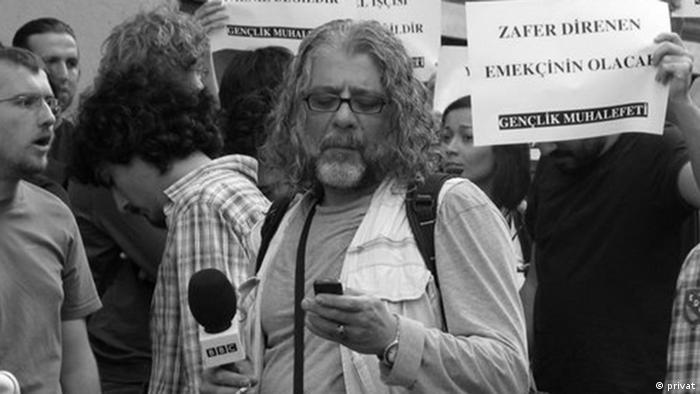 30 yılı aşkın kariyerine Türkiye'de birçok gazeteyi ve BBC Türkçe, WDR ve Deutsche Welle gibi kurumları sığdıran Kürşat Akyol 51 yaşında hayatını kaybetti