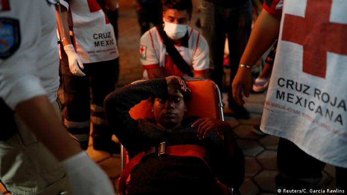 Mexiko Migrantin bekommt Baby auf dem Weg in die USA (Reuters/C. Garcia Rawlins)