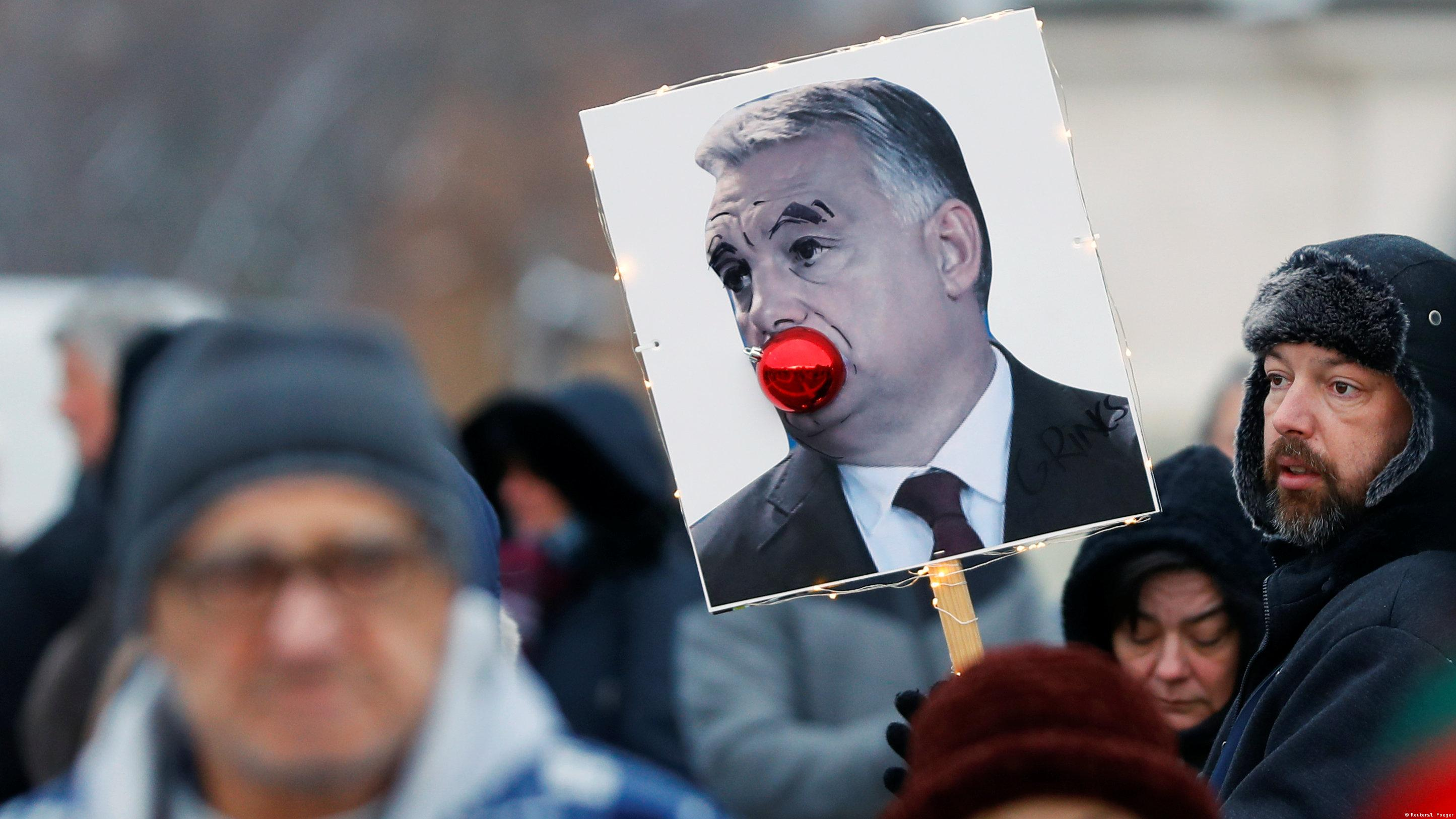 means hungarian anti orbán demonstrators - HD2890×2024