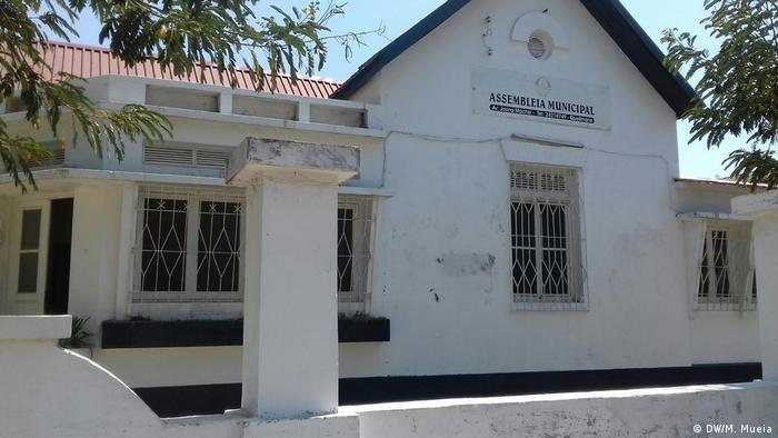 Mosambik Quelimane Stadtrat (DW/M. Mueia)