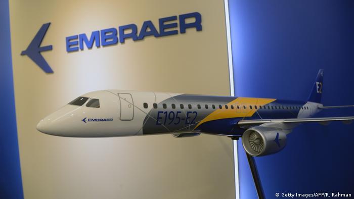 Flugzeug Embraer E195-E2, Flugzeugbauer Embraer, Brasilien (Getty Images/AFP/R. Rahman)