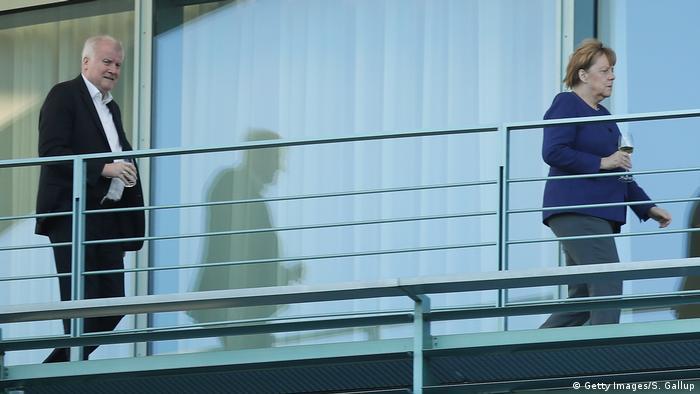 Deutschland Berlin Horst Seehofer und Angela Merkel