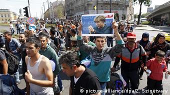 Χωρίς να ρωτήσει τη βουλή η Μέρκελ άνοιξε τα σύνορα για τους πρόσφυγες.