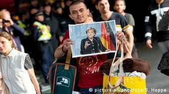 Η καγκελάριος Μέρκελ εστιάζει στη διέλευση προσφύγων από τη Λιβύη.