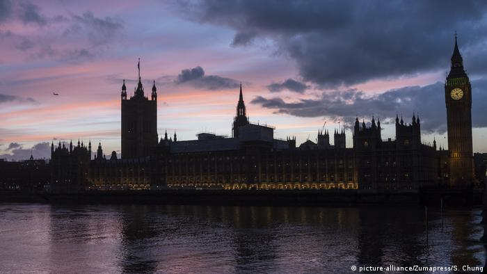 Sunset behind Houses of Parliament in London