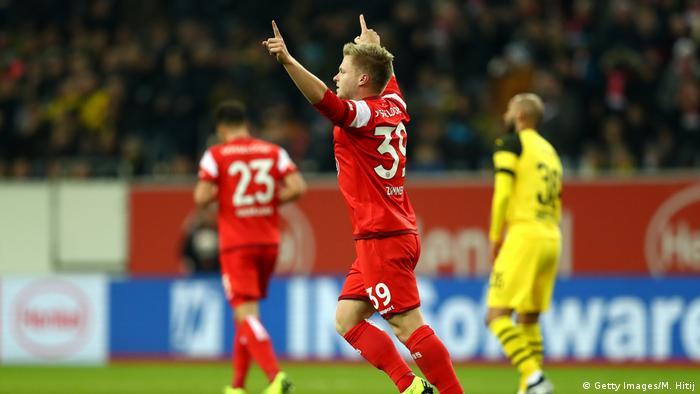 Fußball Bundesliga 16. Spieltag | Borussia Dortmund vs. Fortuna Düsseldorf | 2. TOR Düsseldorf (Getty Images/M. Hitij)