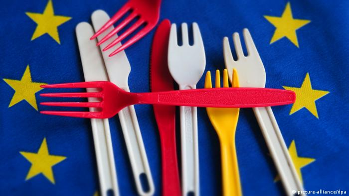 Symbolbild Verbot Plastikgeschirr in der EU (picture-alliance/dpa)